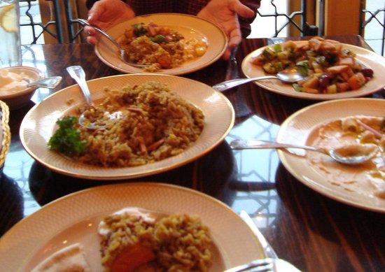 Photo of Middle Eastern Restaurant Mama Ayesha Restaurant at 1967 Calvert St Nw, Washington, DC 20009, United States