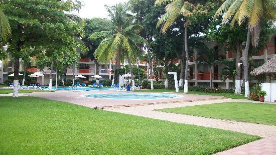 Hotel Suites Villasol: jardin