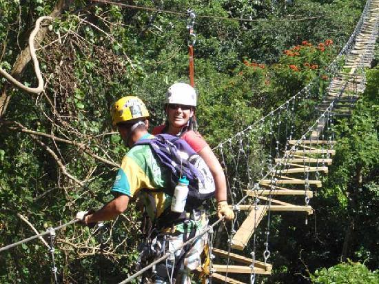 Orocovis, Porto Riko: Iguana's Trail Bridge