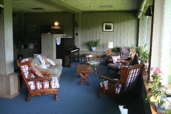 Mountain Meadows Lodge: Relax at the lodge