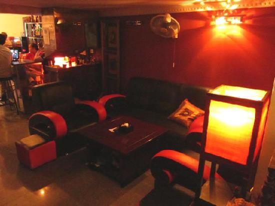 The Local - Riverside: lounge area