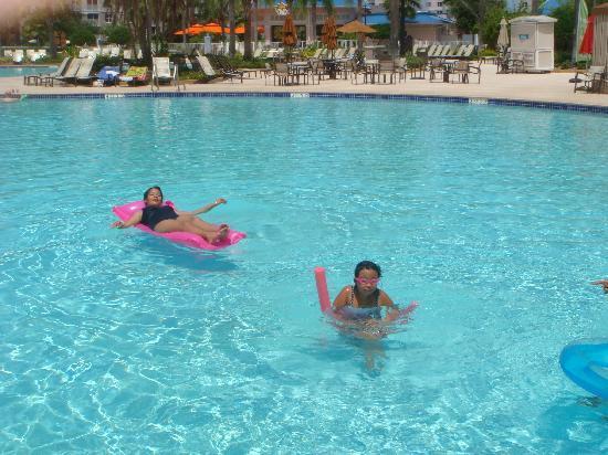 Bluegreen Fountains Resort: My girls enjoying the swimming pool.