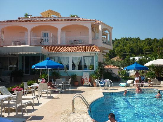 Skiathos town picture of panorama hotel koukounaries for Skiathos town hotels