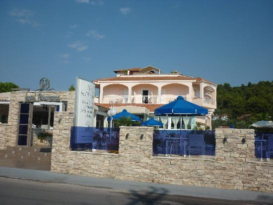 Panorama Hotel: front of hotel