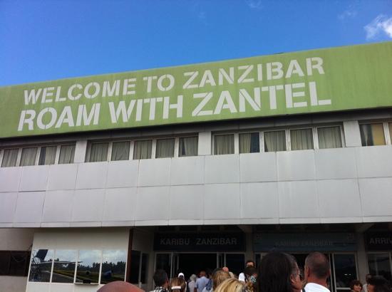 Aeroporto Zanzibar Arrivi : Aeroporto prepararsi a ore di check in sia all andata