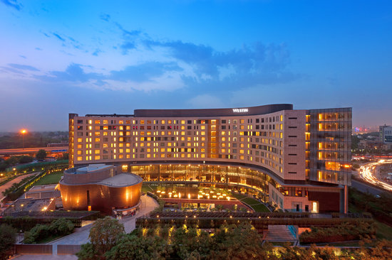 Westin Gurgaon, New Delhi: Hotel exterior