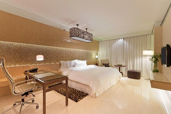 Westin Gurgaon, New Delhi: Premier Room