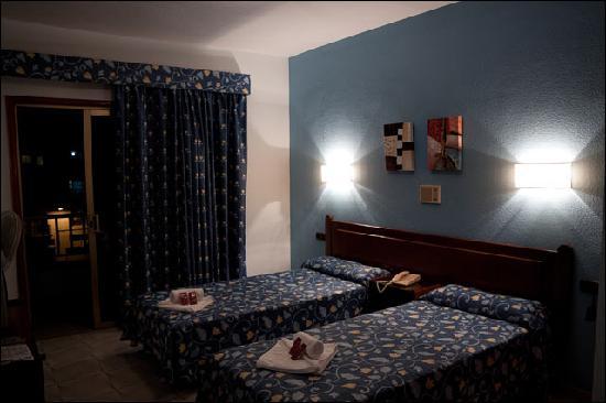 Hotel Aeropuerto Sur: Room interior