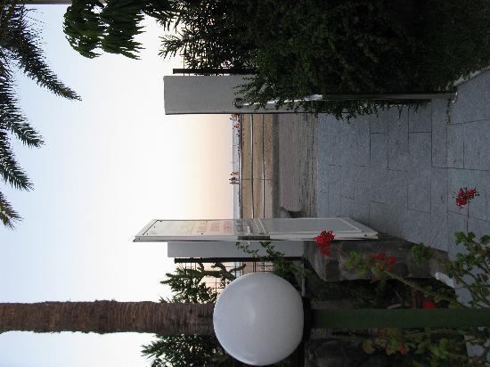 El Capricho Apartamentos : Outside