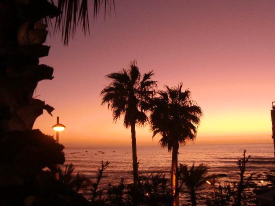 OCÉANO Hotel Health Spa: Sonnenuntergang aus dem Pool im Oceano-magisch