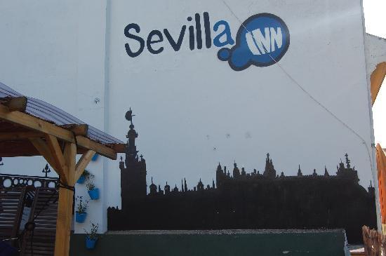 Sevilla Inn Backpackers: Roof terrace