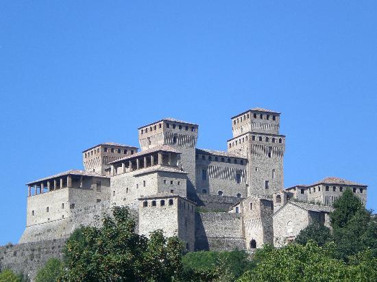 Food Valley Travel & Leisure: castello di torrechiara
