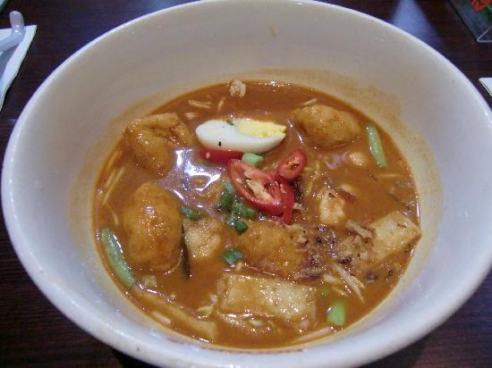 Nooodles Satellite Building: Penang curry noodle soup RM18.90@noodles