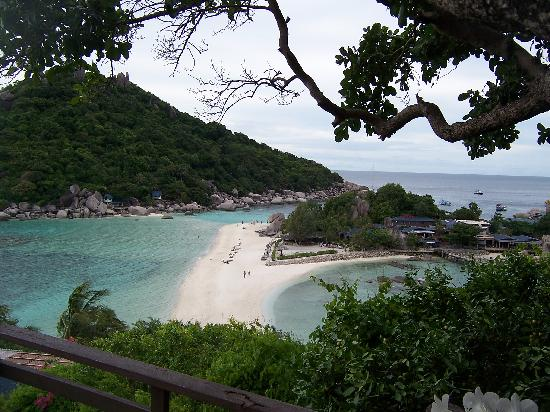Nangyuan Island Dive Resort: view from K9 room before tourist boats arrive