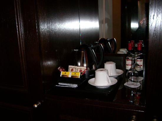 Grand Hotel Casselbergh Bruges: Servicio de cafe