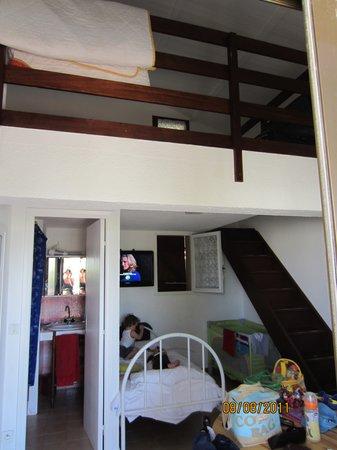 casetta con soppalco. letto matrim. sopra. - Picture of Residence ...