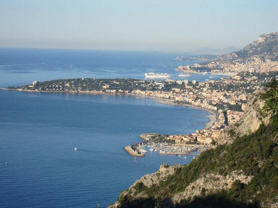 Altoblu Bed & Breakfast: View from Mortola Superiore towards Monaco