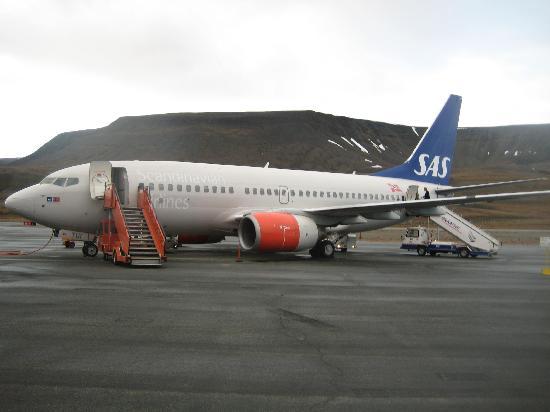 Radisson Blu Polar Hotel, Spitsbergen, Longyearbyen: Ankunft LYR