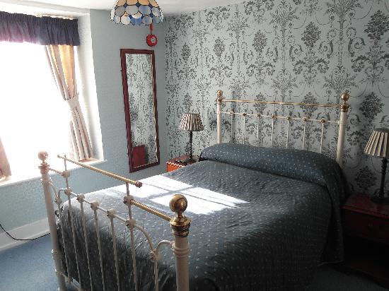 Crown and Trumpet Inn: Bedroom