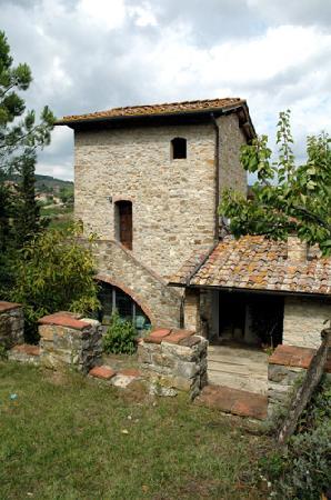 La Marcellina: Cosa rimane di una torre di avvistamento del tardo medioevo