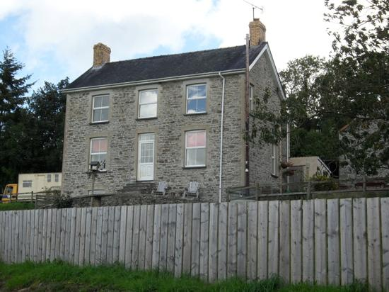 Happy Donkey Hill Bed and Breakfast & Holiday Cottages: the main farm house