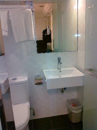 Harbour Ville Hotel: Toilet