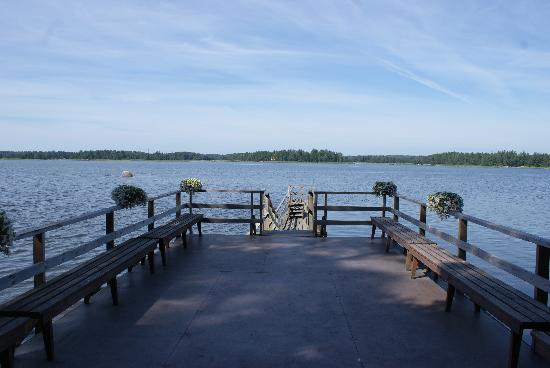 Karkisaari B&B: This is the jetty with view to the sea