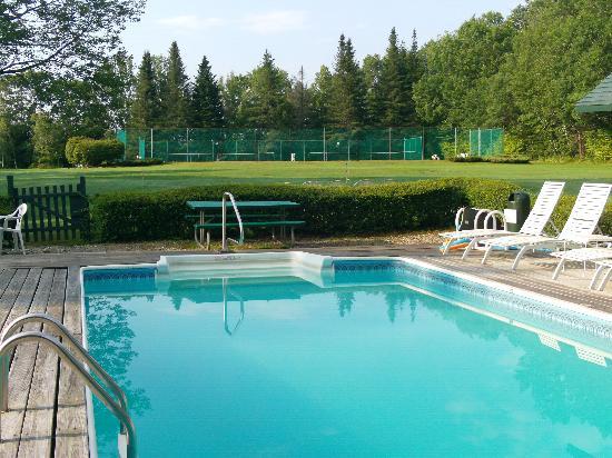 Dexter's Inn: Pool @ Dexters Inn