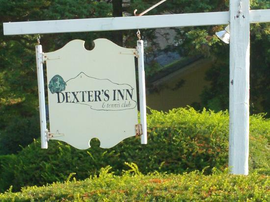 ‪ديكسترز إن: Dexters Inn sign‬