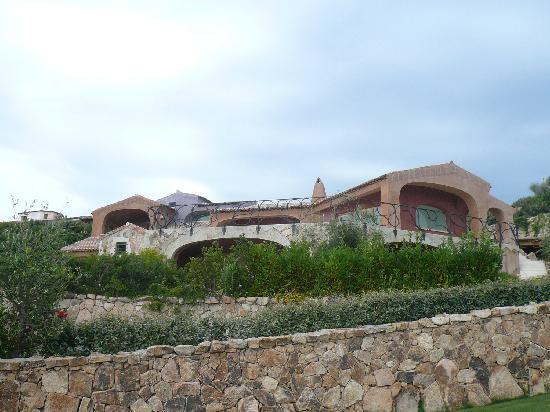 Hotel Monti di Mola: Flintstone's