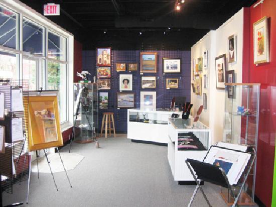 Smithfield, VA: The Visitor Center & Arts Center share space on Main Street