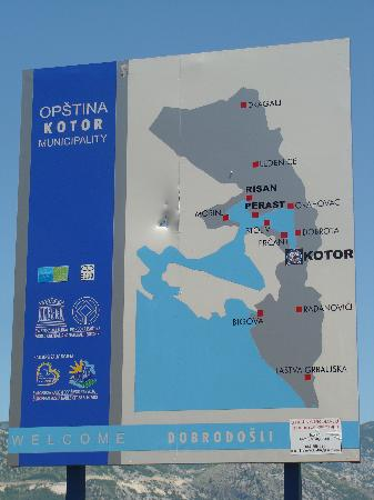 Kotor Bay Tours: local signage