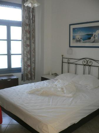 Hotel Dina: bedroom