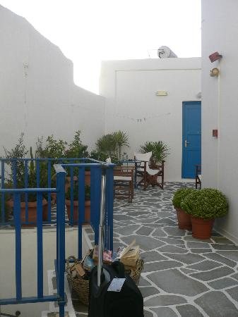 Hotel Dina: shared terrace on first floor