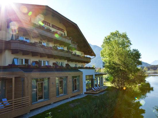 Hotel Seespitz-Zeit: Sommerfassade