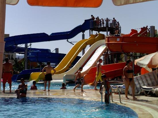 Green Nature Resort & Spa: water slides