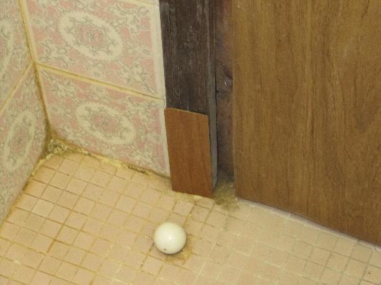 Hotel Maxi Heron: Il bagno