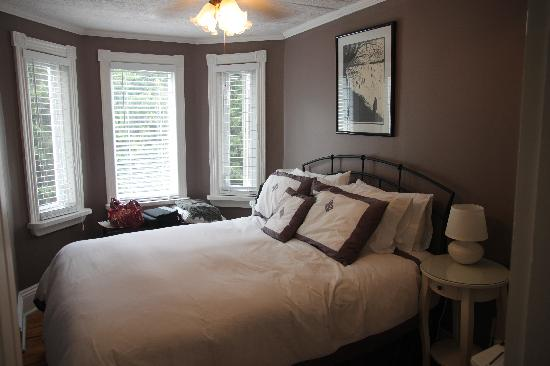 The Moose B&B: The Lily bedrooms, one of three