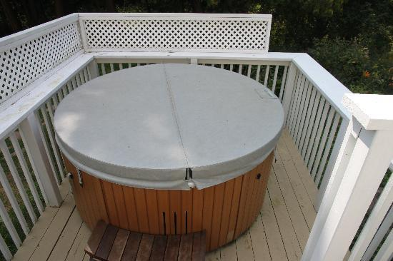 The Moose B&B: Hot tub for your enjoyment @ 102 degrees, perfect