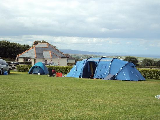 Wooda Farm Holiday Park: The sea view in Overflow Field 2