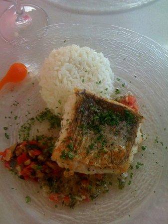 Chez Josephine : Le poisson du jour : Merlu à la Plancha sauce Créole