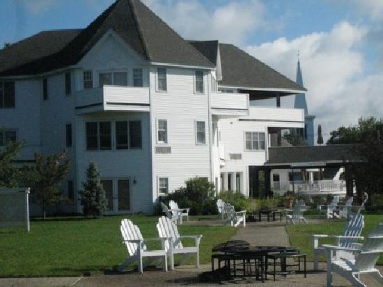 The Wolfeboro Inn: The Inn