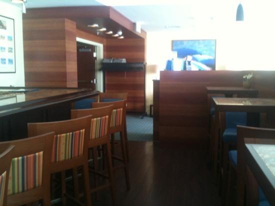 Captain's Table: restaurant
