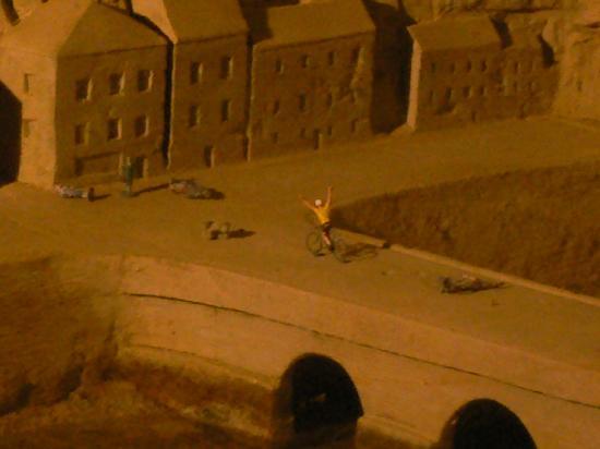 Pierre et Lumiere : Uno zoom su una delle sculture