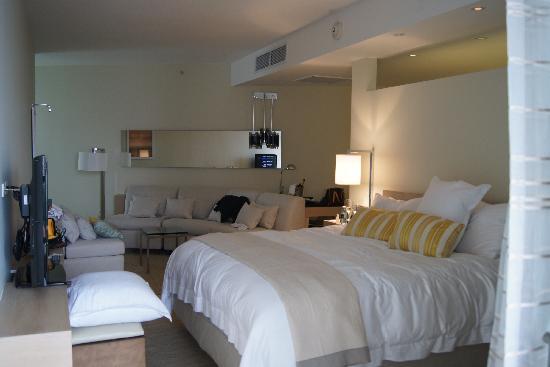 Trump International Hotel & Tower Panama : suite curve room