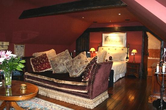 Hot Tub Hideaway: The Red Room
