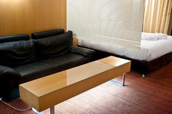 Clarion Suites Senart Paris Sud: Sitting area with TV - a DVD player was supplied too