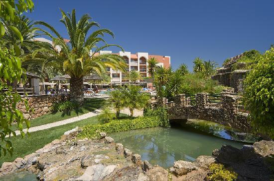 Falesia Hotel: Garden