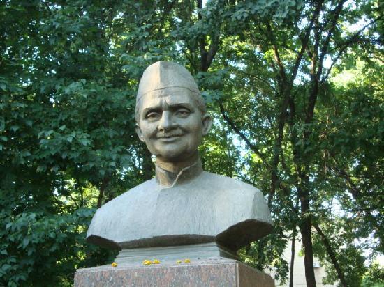 Τασκένδη, Ουζμπεκιστάν: Bust of Lal Bahadur Shastry in Tashkent