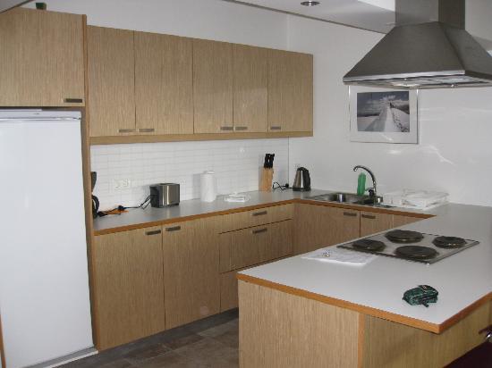 Downtown Reykjavik Apartments: Kitchen area